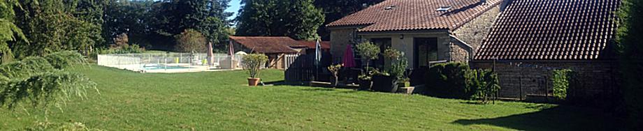 l'art d'une pause, gîtes de charme, piscine, bourgogne, cottage burgundy coté jardin